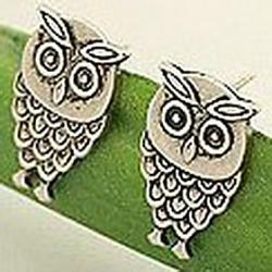 Cheap European and American style cute retro owl earrings earrings (random color)