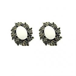 Cheap European and American retro temperament imitation pearls oval metal leaf earrings E378