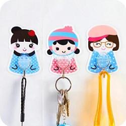 Cheap Cute Cartoon Plastic Seamless Hook(Random Shape)
