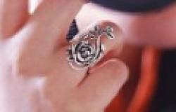 Cheap Fashion New Arrival Hot Sale Hollow  Retro Rose Petal Ring R97