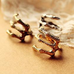 Cheap Europe 's official website new punk sharp claws demon texture talons child retro rings (random color)