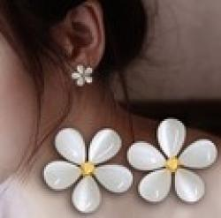 Low Price on LZ Jewelry Hut E61 The 2014  New Arrival Wholesale Fashion White Flowers Opals Womens Earrings